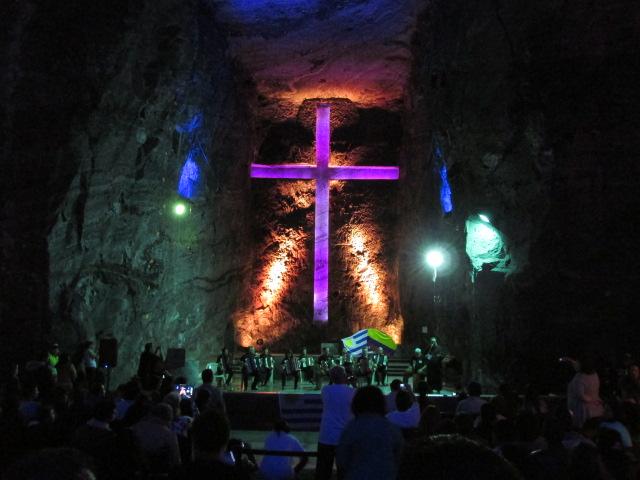 「シパキラ 岩塩教会 写真」の画像検索結果